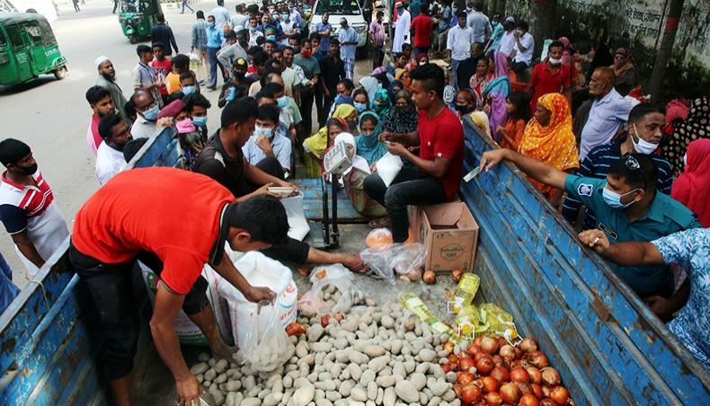 TCB starts selling potato at Tk 25 a kg through OMS