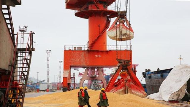 US escalates trade war with China, threatens tariffs on $200 billion of goods