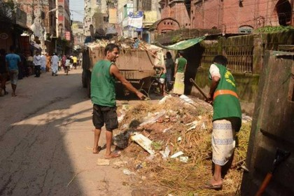 Mayor Taposh asks waste collectors not to charge over Tk100 monthly