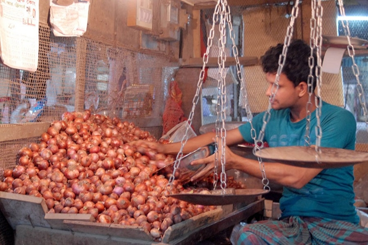 Customs intel steps in as onion prices spiral