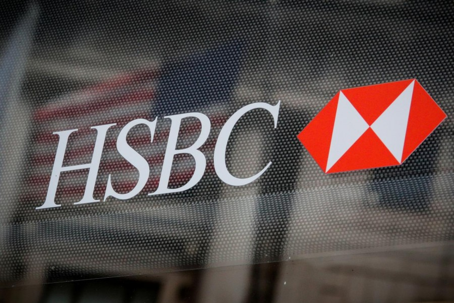 HSBC Q1 profit halves as it beefs up bad loan provisions