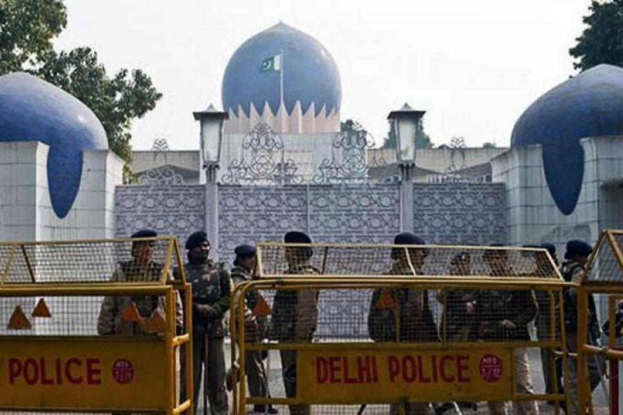 India expels two Pakistan embassy officials for 'espionage'