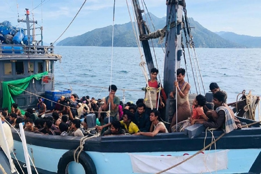 Traffickers demand payments for Rohingyas stranded at sea