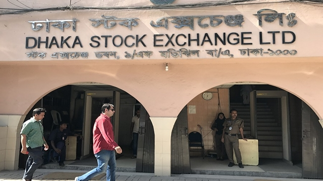 Net foreign fund in stocks rebounds after five months