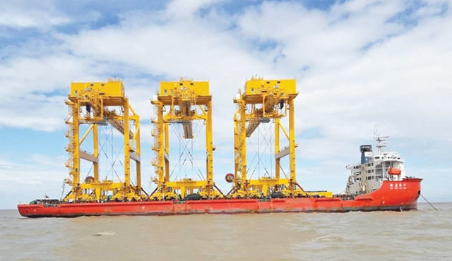 Shipping lines turn gearless as Ctg port gets gantry cranes