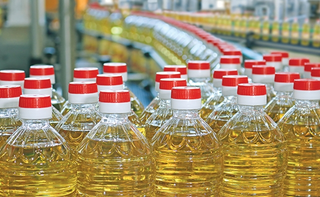 India imposes import ban on edible oil