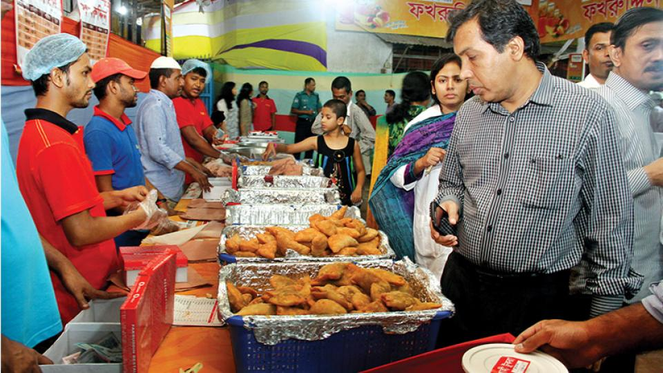 Restaurants in city may sell Iftar items from Tuesday