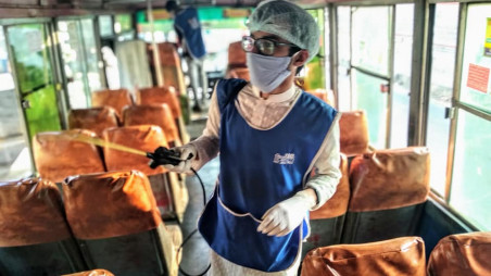 Bidyanondo sprays disinfectant in vehicles, distributes hand sanitisers