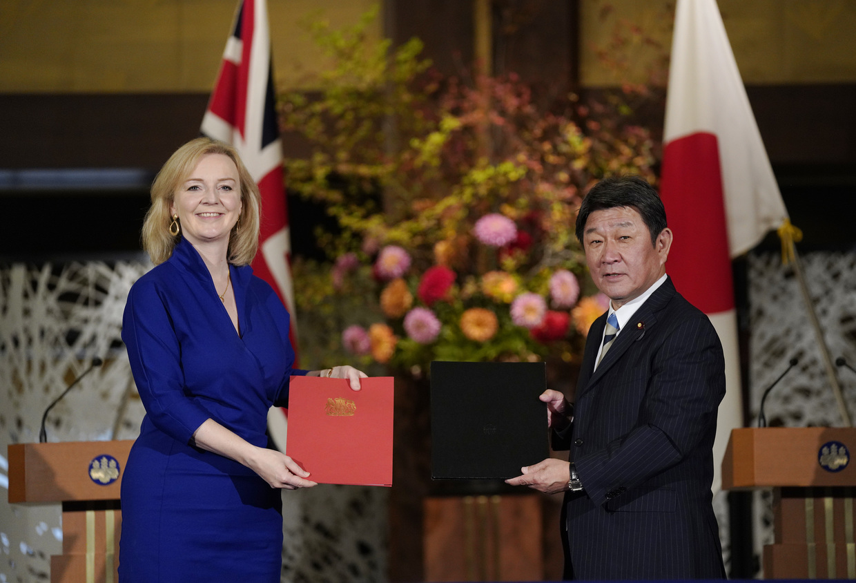 Britain seals first major post-Brexit trade deal with Japan