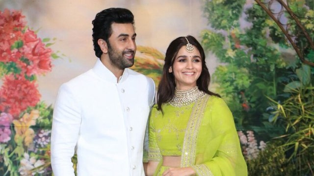 Finally! Alia Bhatt says, 'not single'