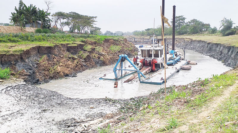 7 river routes 'restored' thru dredging