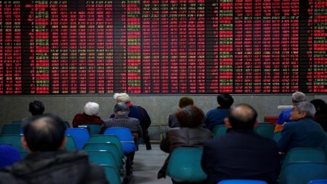Asian markets hit by fresh trade fears after Trump comments