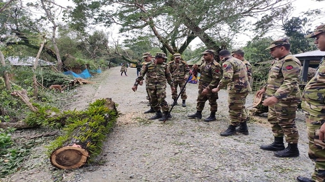 Cyclone 'Bulbul' wreaks havoc in coastal districts; 6 dead