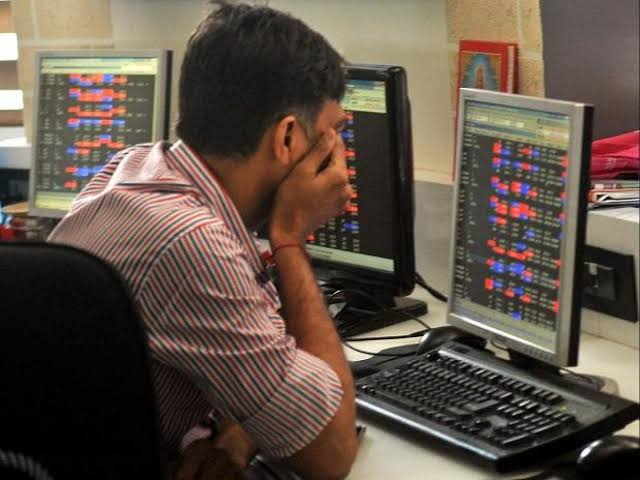 Stocks keep losing amid growing COVID-19 tension