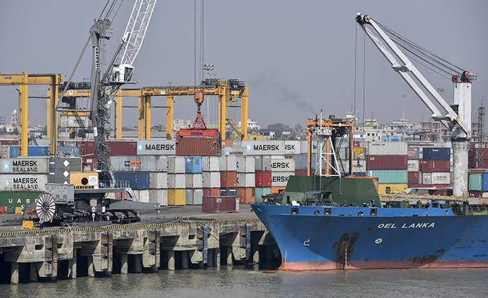 Chittagong port's container handling goes up