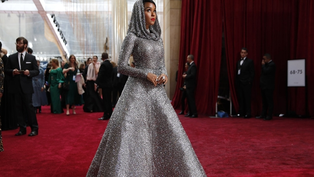 A look at Oscars red carpet standouts