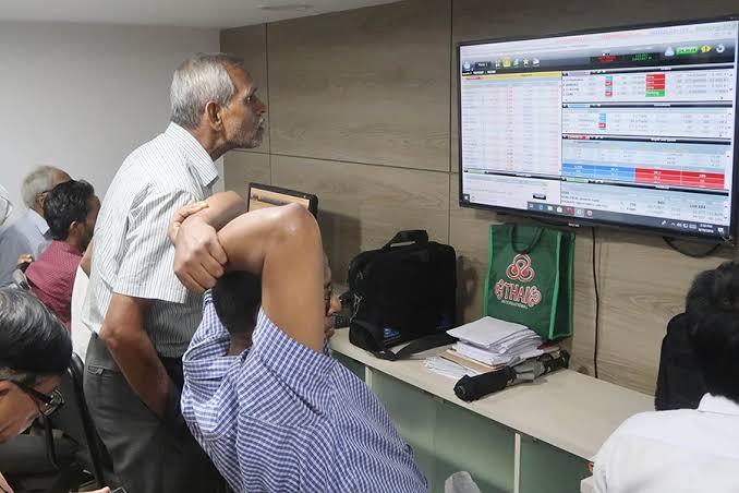 Bourses open week on upbeat note