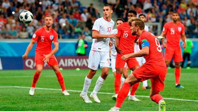 Captain Kane rescues England in additional time