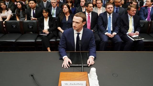 Facebook CEO Mark Zuckerberg heads to Washington