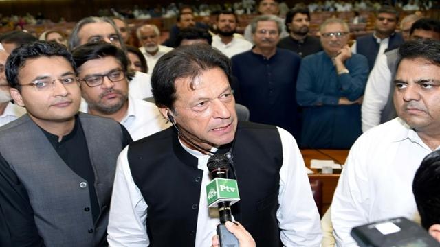 Khan set to be sworn in as Pakistan PM