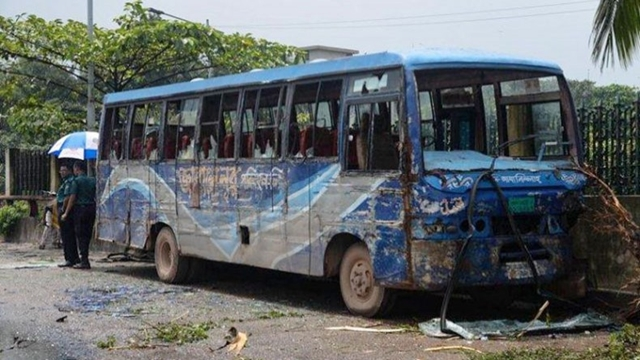 Death of students: Registrations of two 'Jabal-e-Noor Paribahan' buses suspended