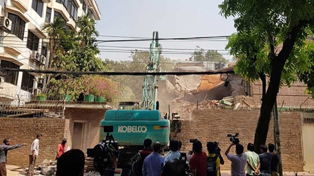 RAJUK demolishes parts of Ha-Meem Group owner's house in Gulshan