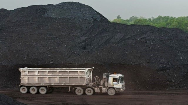 Govt set to ink maiden coal import deal today | Economy | FT