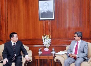 Dhaka seeks Beijing's support to resolve Rohingya crisis