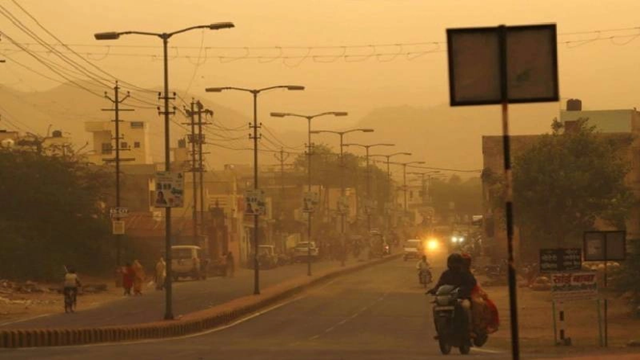 Dust storm, lightning and rain kill at least 47 in India