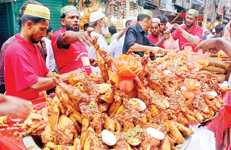Traditional Iftar of old Dhaka..Location:Chakbazar