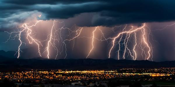 How to stay safe during lightning