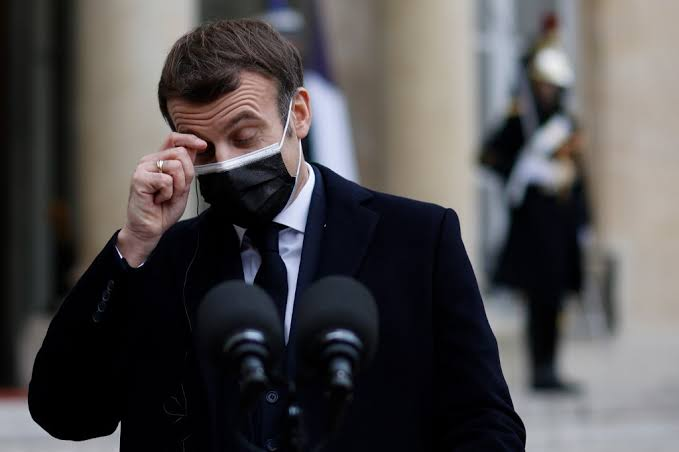 French President Macron slapped during walkabout