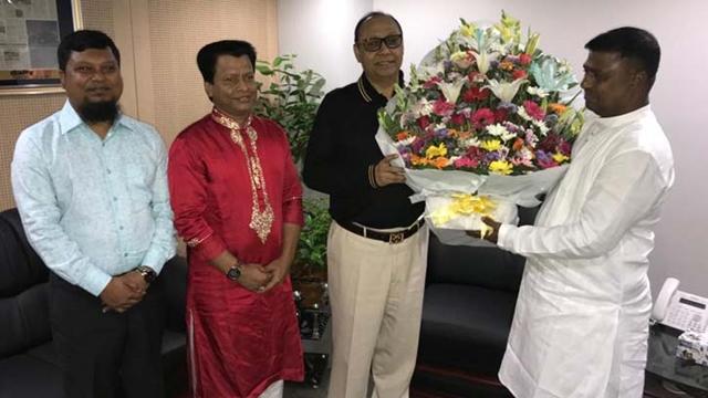 Kanchan Municipal Mayor meets Bashundhara Group Chairman