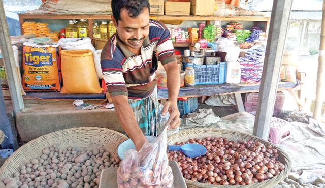Onion price starts falling; wholesalers receive backlash