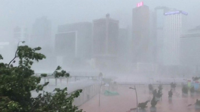 Deadly typhoon takes aim at south China