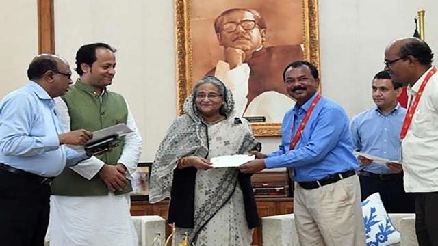PM donates Tk 1.40 billion to eight organisations