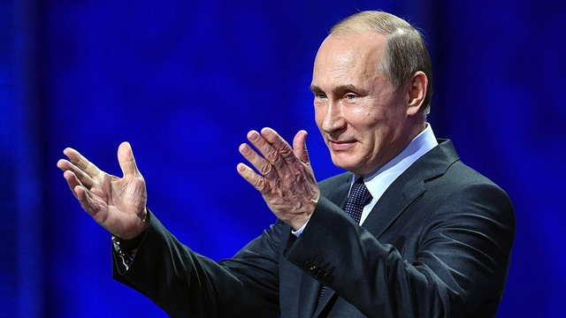 Vladimir Putin welcomes teams and supporters to World Cup