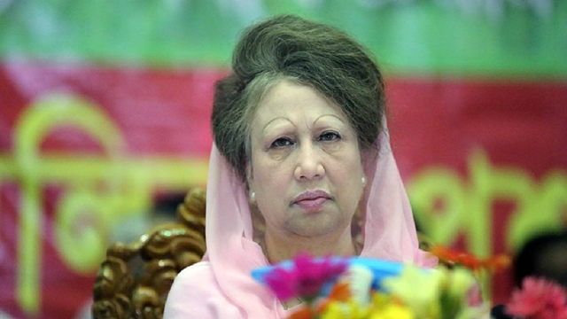 Khaleda's relatives meet her at BSMMU